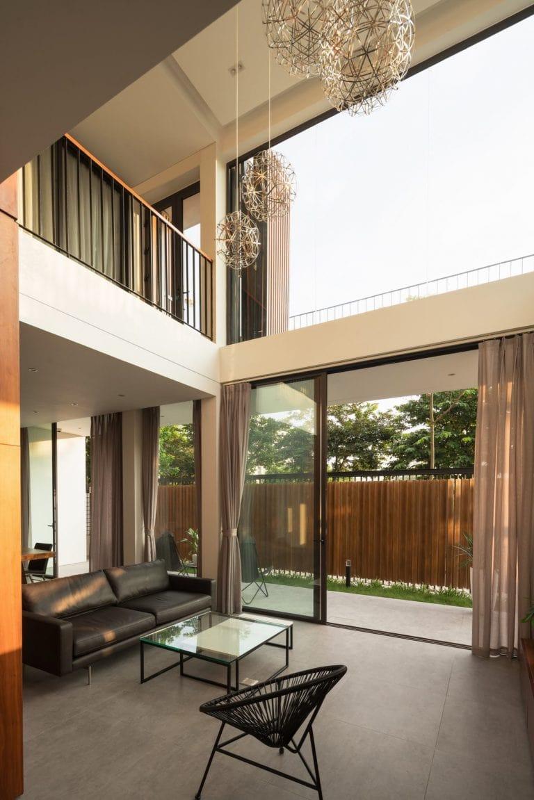 Biệt thự 3 tầng mặt tiền hệ lam gỗ 2
