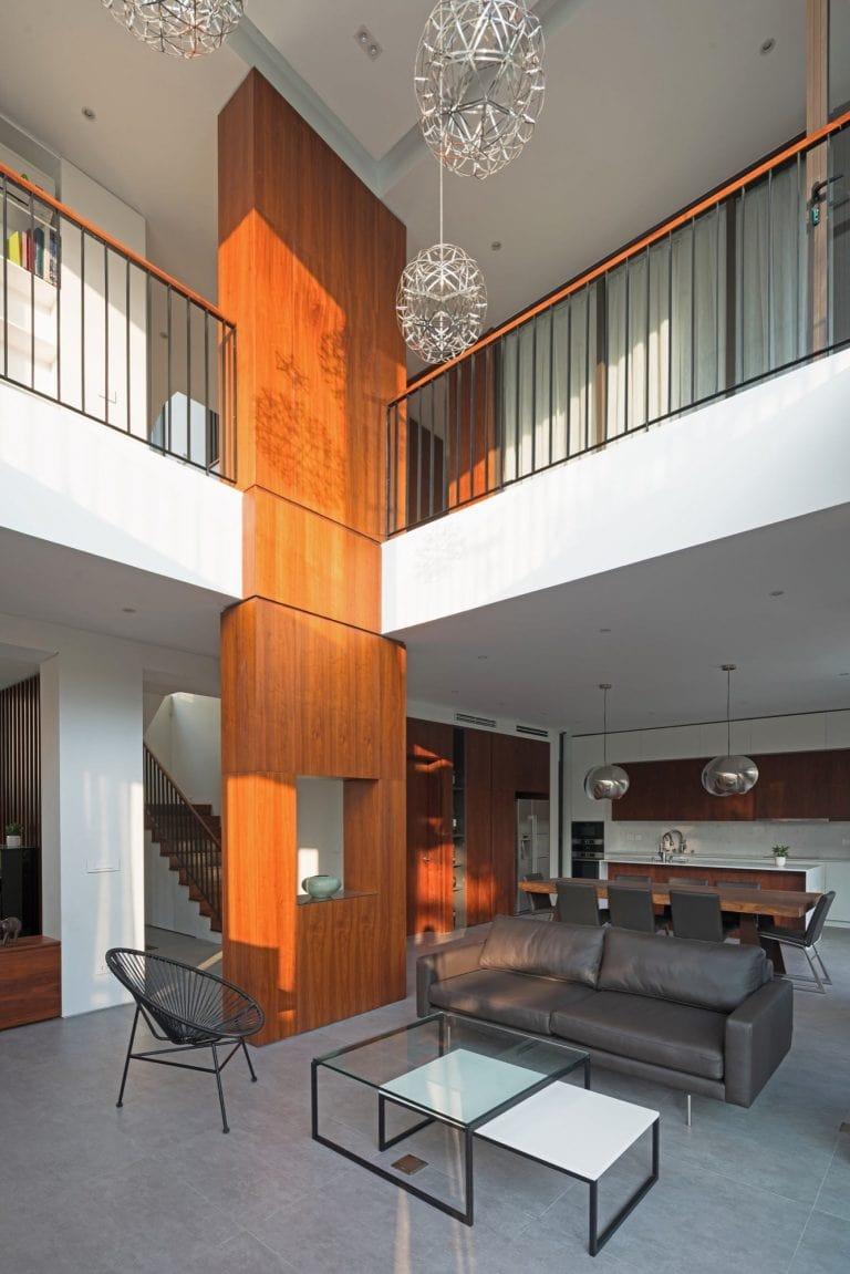Biệt thự 3 tầng mặt tiền hệ lam gỗ 4