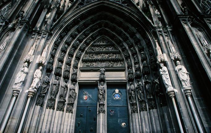 Mái vòm nhọn - điểm đặc trưng của kiến trúc Gothic
