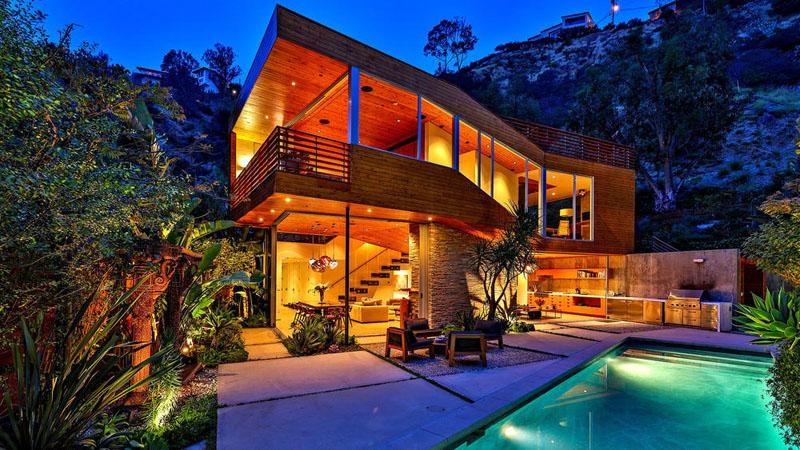 Mẫu biệt thự đẹp ốp gỗ trên đồi Hollywood - 01
