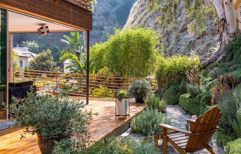Mẫu biệt thự đẹp ốp gỗ trên đồi Hollywood - 09