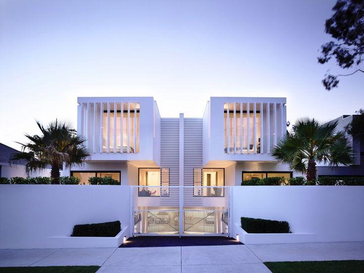 Mẫu thiết kế nhà biệt thự 2 tầng 5