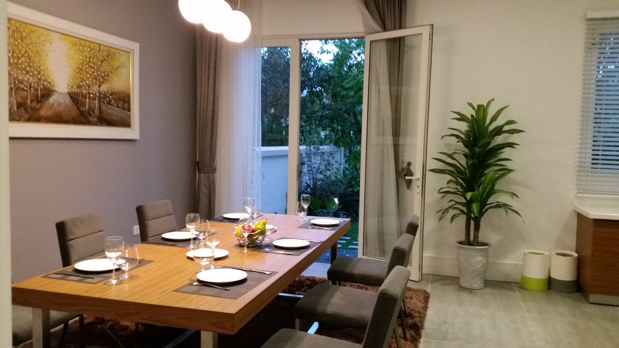 Phòng ăn - Mẫu thiết kế biệt thự vườn 2 tầng