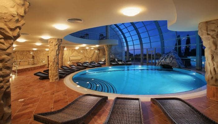 Thiết kế biệt thự đẹp có hồ bơi 7